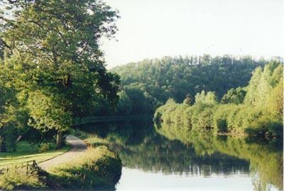 séjour en Bretagne dans une maison de campagne en bordure de rivière
